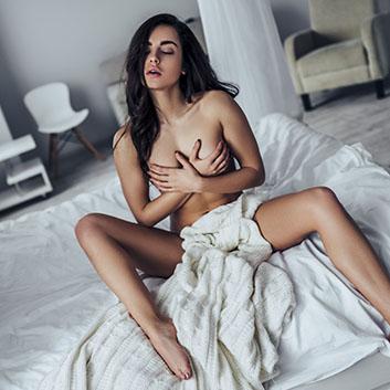 sexy leker mann ned jenter bluse
